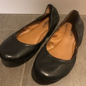 Great condition Lucky Brand flats size 8